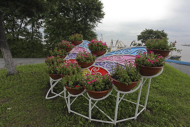 Парковая клумба Бабочка цветная