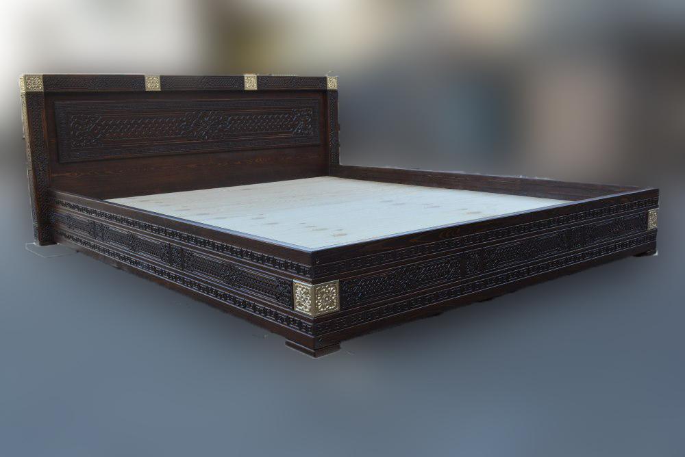 Кровать двухспальная из массива Дангина 1600х2000