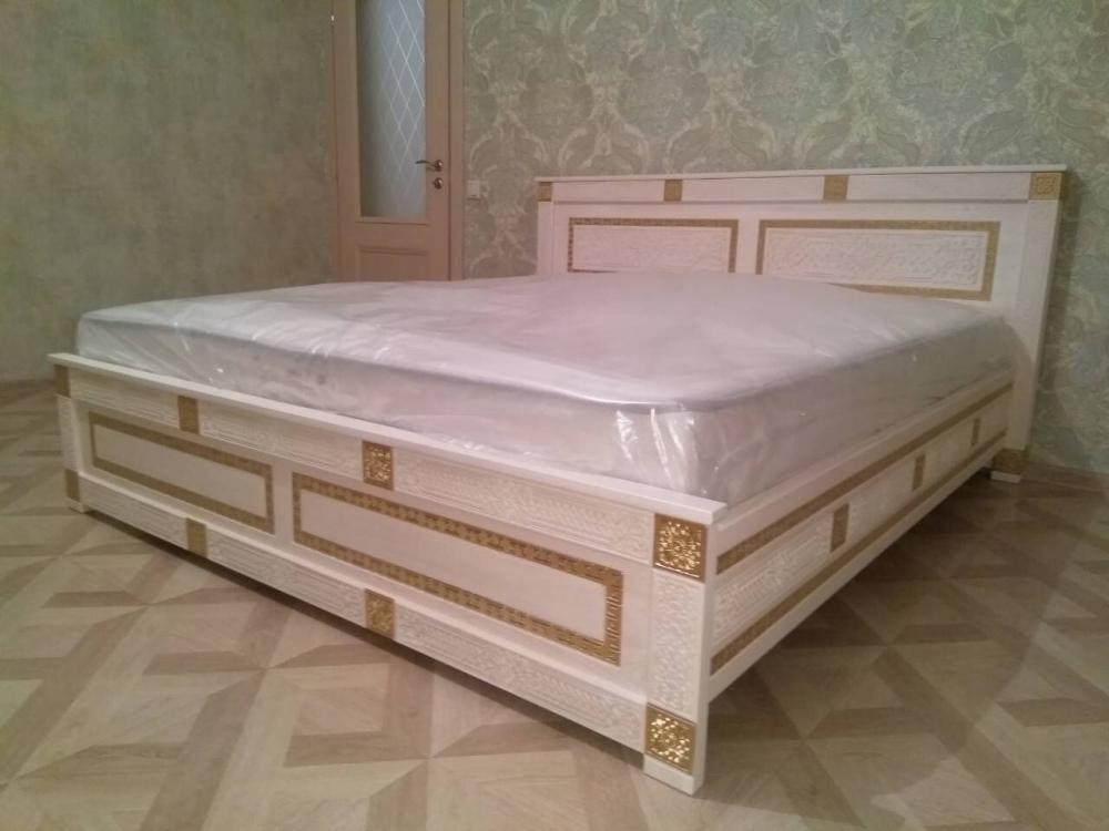 Кровать двухспальная из массива Алтан Сагаан Дангина 1800х2000