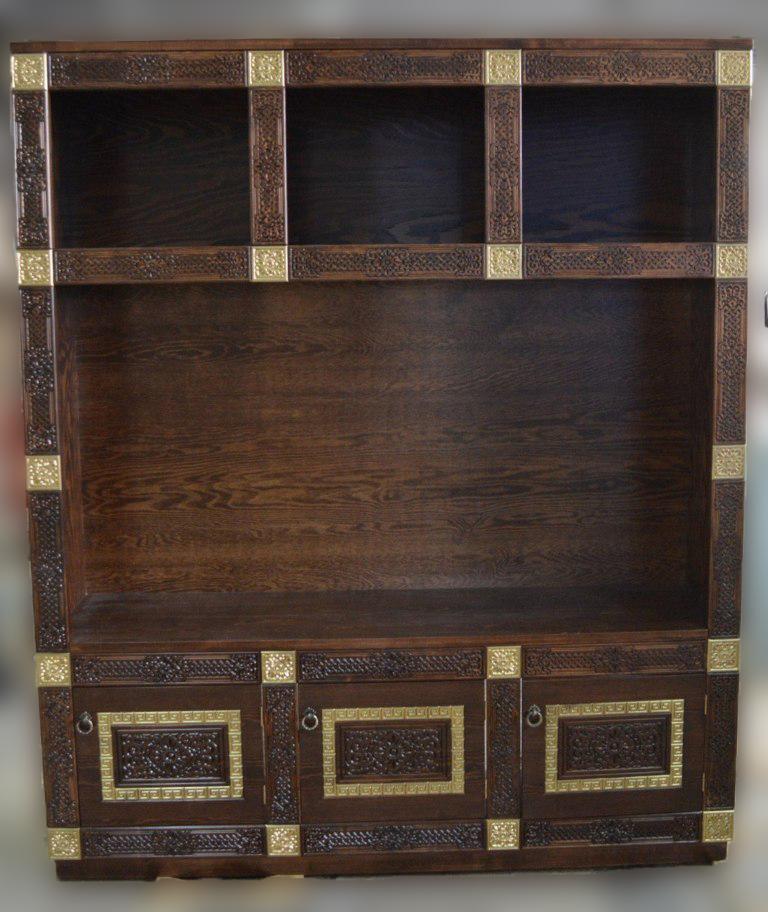 Шкаф из массива сосны Дангина с дверками