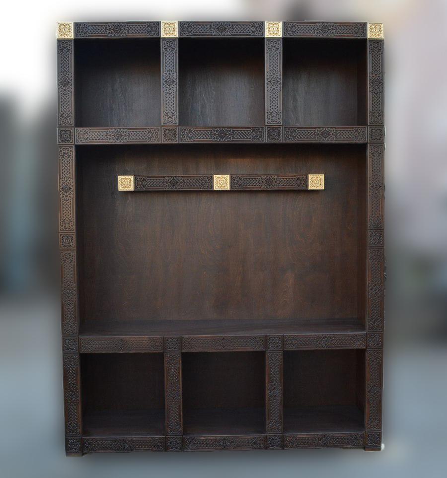 Шкаф из массива сосны Дангина