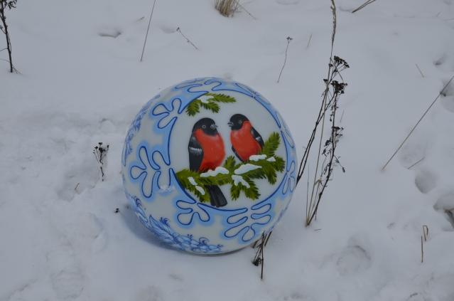 Сфера с росписью Снегири на ветке, 600мм