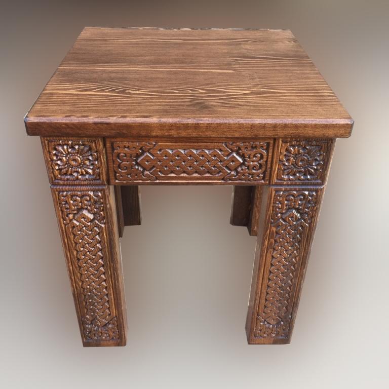 Табурет деревянный Шара Дангина, малый