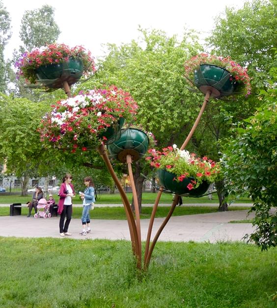 Цветочница Букет Крокусов с лепестками